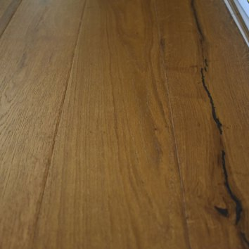 Dark Distressed Oak 12mm Engieered Oak Flooring