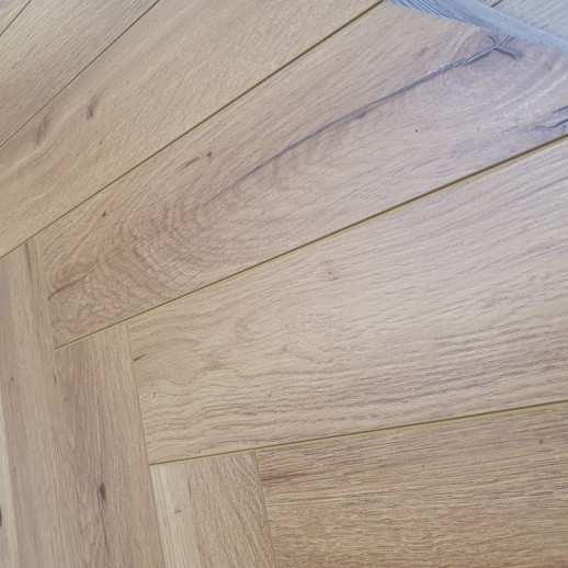 Robusto Natural Oak Herringbone 12mm