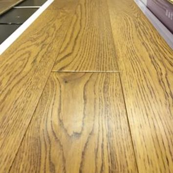 Handscraped Golden Lacquered Oak Engineered Flooring