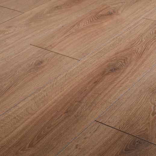 Neston Natural Oak 10mm Laminate Flooring