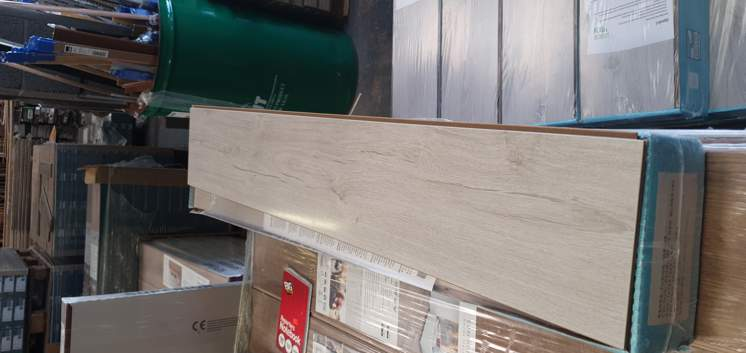 Pearl White High Gloss 12mm Laminate Flooring