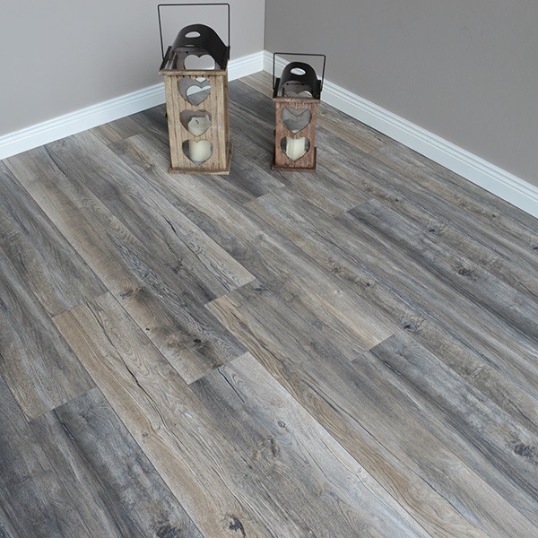 Distressed Grey Oak 12mm Laminate, What Are The Grades Of Laminate Flooring