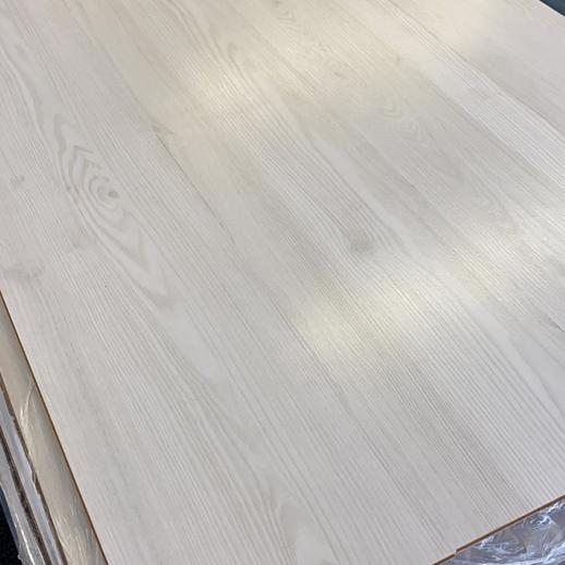 Lara White Oak 8mm