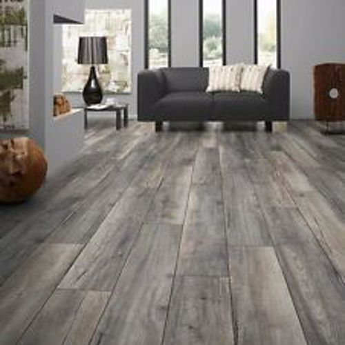 Grey Oak Effect 10mm Narrow Laminate Flooring