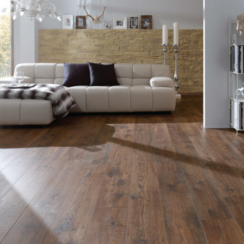 Renaissance Oak 10mm Laminate Flooring