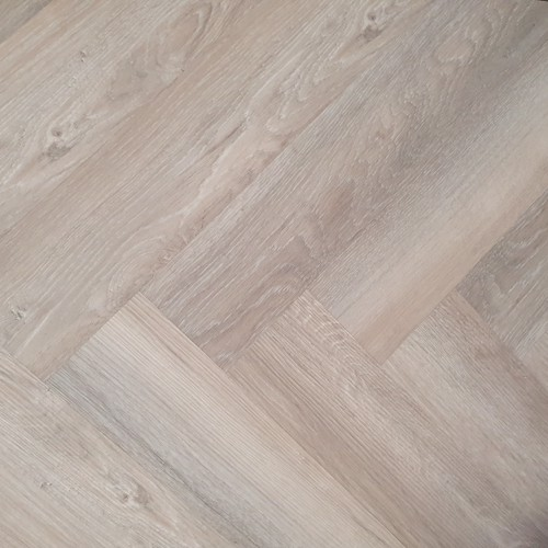 Limed Oak LVT Herringbone Click 5mm